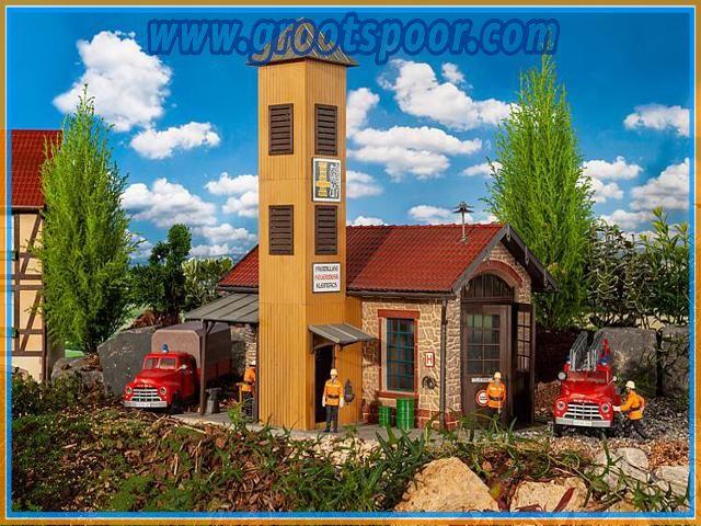 Pola 331095 Feuerwehrhaus