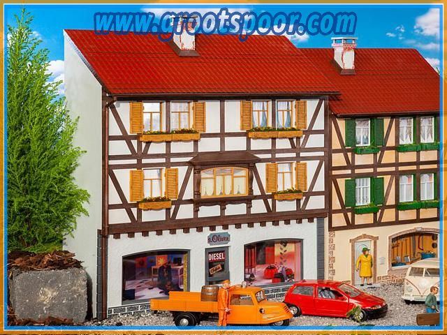 Pola 331777Stadt-Reliefhaus Boutique