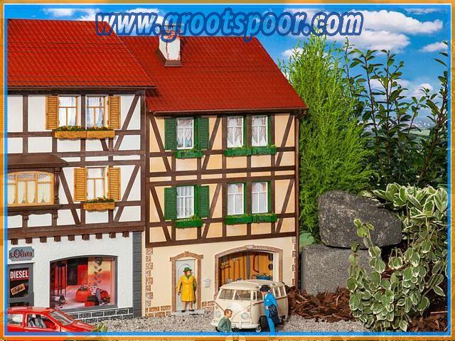 Pola 331778 Stadt-Reliefhaus