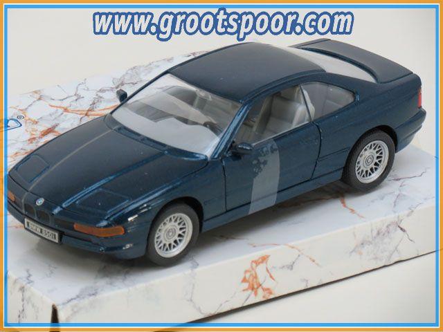 Classic Edition BMW 850i metalic blue 1:24