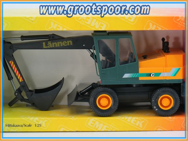 EMEK 60700 Lännen M213 Excavator 1:25