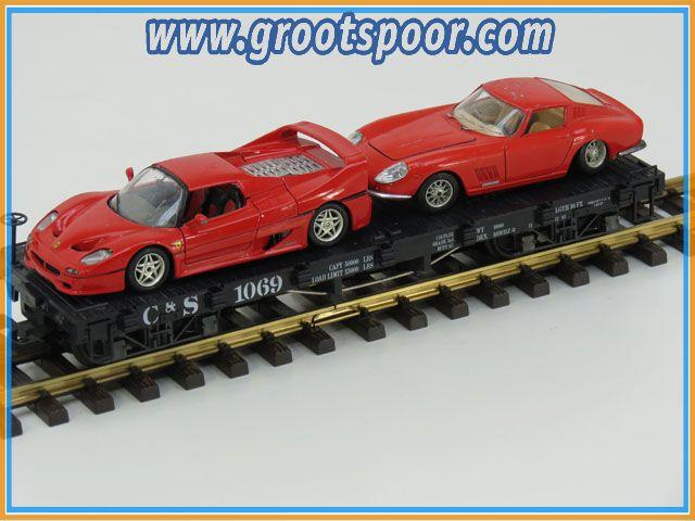 LGB Plattewagen C&S 1069 beladen met twee rode Ferrari's