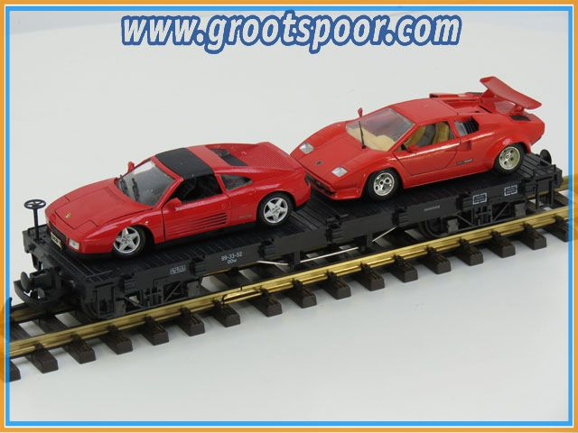 LGB Plattewagen OOw 99-33-52 beladen met twee rode Ferrari's