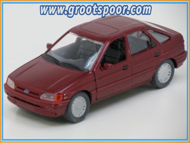 GSDCCcha 0001525 Ford Escort Burgundy-red