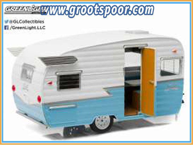 GSDCCgl 00018229 1961 Shasta Airflyte, white/blue