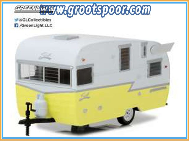 GSDCCgl 00018410A Shasta Airflyte 2015 *Hitch & Tow Trailers Series 1*, white/yellow