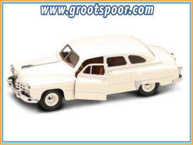 GSDCCldc 00024212cr 1950 Gaz-12 (Zim), cream