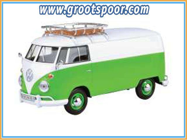 GSDCCmax 00079551  Volkswagen Type 2 (T1) Delivery Van with Roof Rack, green/white