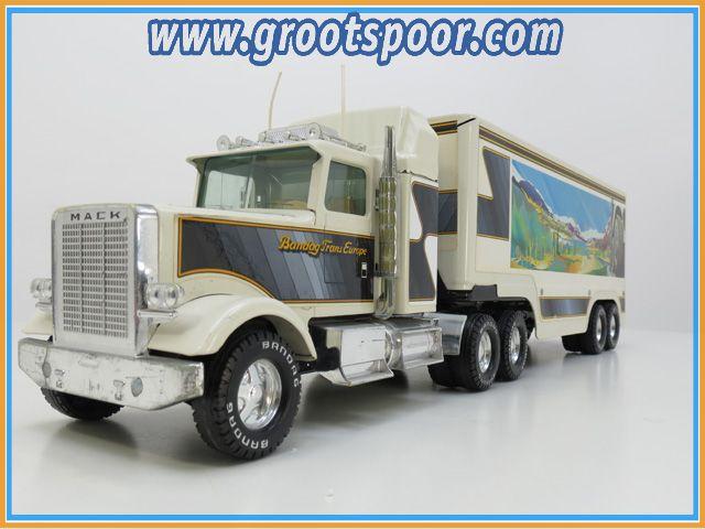 Nylint Semi Truck +- 1:18 Bandag