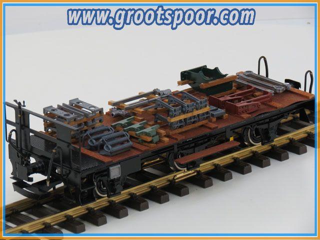 Magnus Platformwagen mit Büne div Ladegut