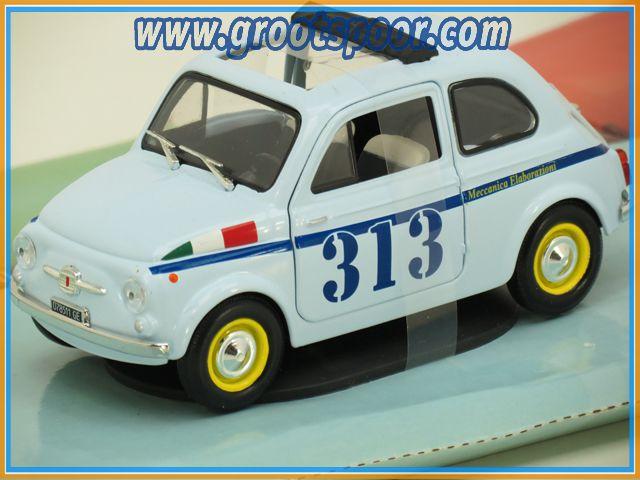 Mondo Motors Fiat 500 1:24