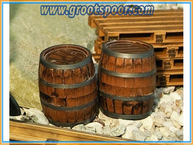 POLA 333211 2 Holzfässer
