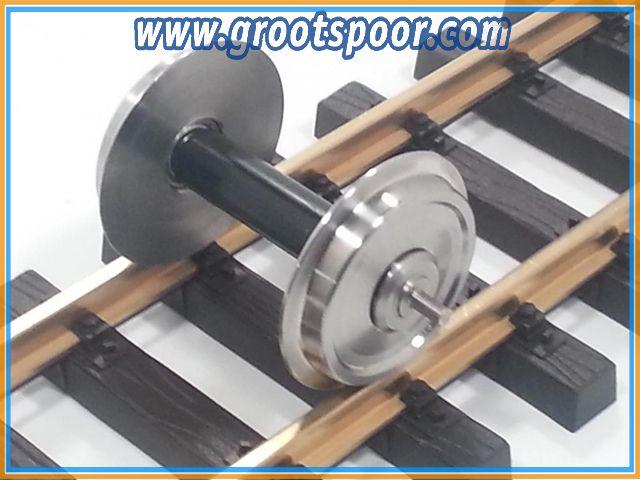 TRAINLINE45 3067210 Achse, kugelgelagert, Voll-Edelstahlrad OHNE Stromführung, 34mm (PIKO)
