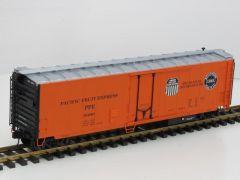 USA Trains R16708 50Foot Mechanical Refrigerator Car. Pacific Fruit Express SP/UP, Metallrader