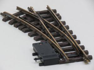 LGB 1215 Elektr.Weiche links.,R1,30Grad (oud model) Met schroefbare railverbinders.