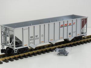 Aristo Craft 41489 PC A 100 Ton Hopper Car BNSF No 652233