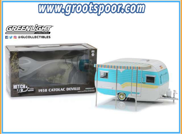 GSDCCgl 00018450A Catolac DeVille Travel Trailer *Hitch & Tow Trailers Series 5*, white/blue 1/24